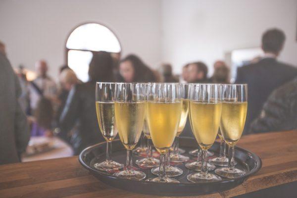 Egal ob Kongresse, Konferenzen oder Barcamps: Auf Branchen-Events kann man sich seiner Zielgruppe am besten prästentieren.